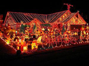 tacky_christmas_decorations_640_01